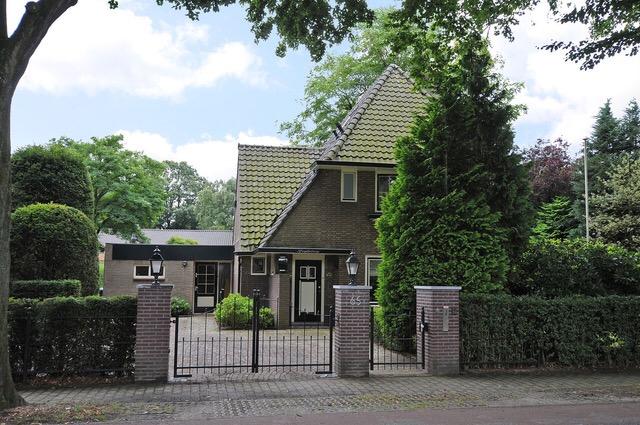 Inrichting Jaren Dertig Woning Ten Behoeve Van Verkoop