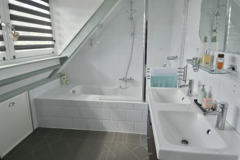 E Ludenstraat verkoopstyling badkamer